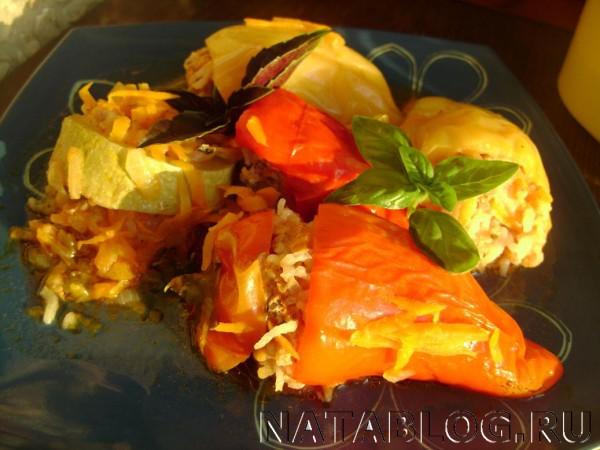 Фаршированный перец и кабачок