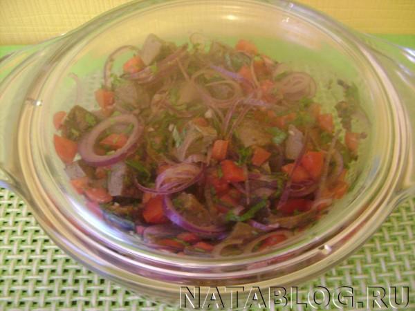Салат под крышкой