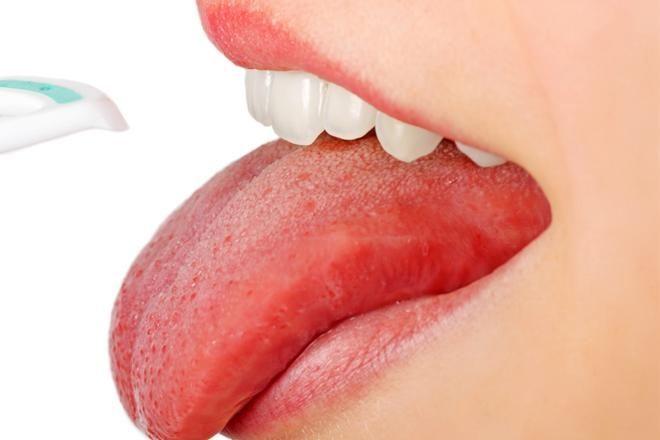неприятный запах изо рта во время диеты