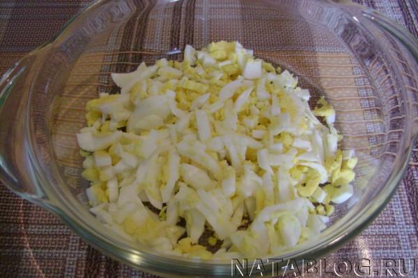 Яйца в салатнице