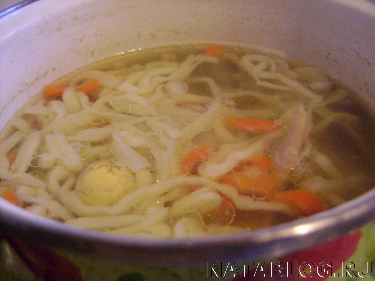 Куриный суп с яичной лапшой / Куриные супы / TVCook: пошаговые 71